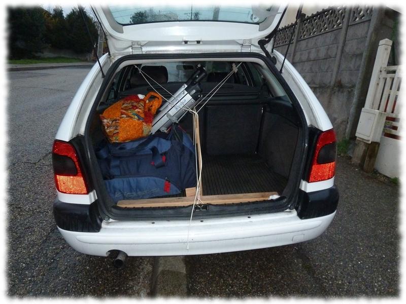 separation coffre voiture pour chien taupier sur la france. Black Bedroom Furniture Sets. Home Design Ideas